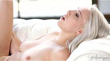 Утро сногсшибательной аруна агора началось не с завтрака, а с ужасного вагинально-клиторального порно