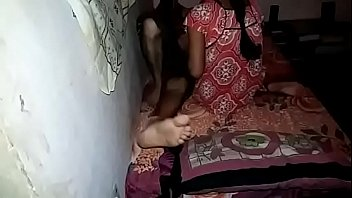 Группа соискателей пустила по кругу очкастую девчушку в возрасте во времячко собеседования