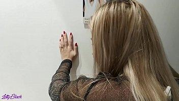 Парень приласкал языком тело блондиночки и от трахал ее не бритую дырочку
