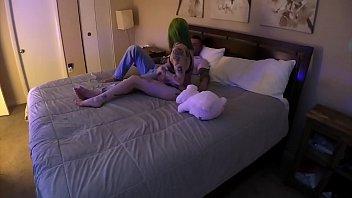 Молодая anna rey отдалась парню в колготочках, когда случайно увидела его голый хуй