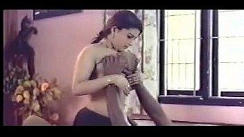 Худая брюнеточка сосет анус нигеру и трахается в гладко выбритую вульву