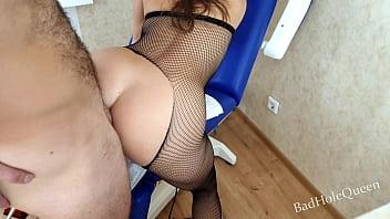 Русская телка не испугалась длинного члена пикапера и пожелала на секс