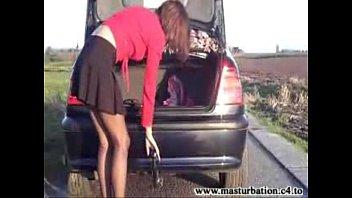 Молодая брюнеточка с косичками берёт стояк отчима под контроль